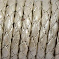 Wit Rondgevlochten leer parel metallic 4mm - per 10cm