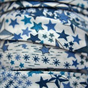 Blauw Liberty biais lint sterren blauw 10mm - 10cm