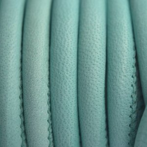 Turquoise Stitched leer PQ turquoise groen 6mm - per cm