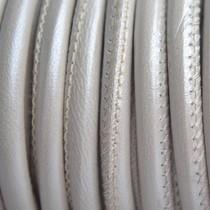 Wit Stitched leer PQ parel wit metallic 4mm - per cm