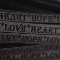 Zwart Plat leer Heart Hope Love zwart 5mm - prijs per cm