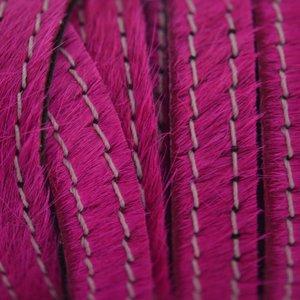 Roze Hairy leer stiksel fuchsia 10mm - prijs per cm