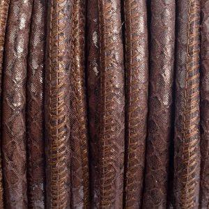 Bruin Stitched leer PQ bruin metallic snake 6mm - per cm