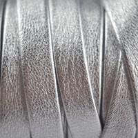 Zilver Plat nappa leer silver shine 10mm - 19cm