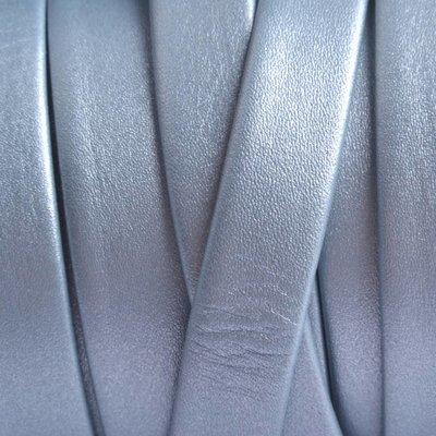 Blauw Plat nappa leer metallic sky blue 10x1.5mm - prijs per cm