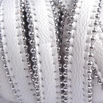 Wit Plat leer met ballchain wit 10x2mm - prijs per cm