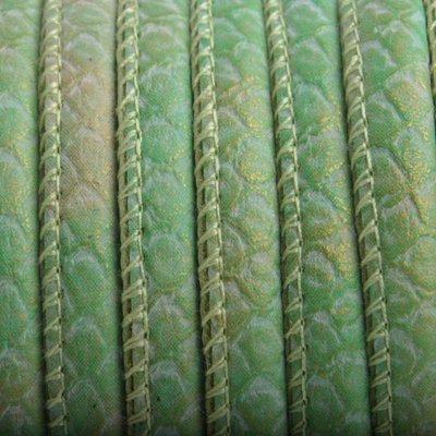 Groen Imitatie Leer Green gold metallic 6x4mm - prijs per 20cm