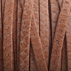 Bruin Plat leer slangenprint camel 5mm - prijs per cm