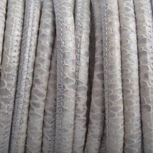 Wit Stitched nappa leer PQ Cream Metallic snake 4mm - prijs per cm
