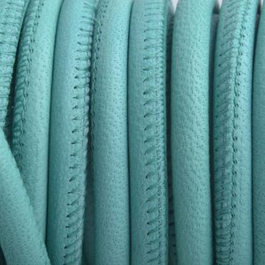 Turquoise Stitched rond PQ leer Turquoise 6mm - prijs per cm