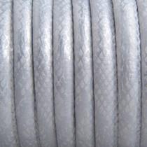 Zilver Imitatie leer Reptile silver white metallic 6x4mm - prijs per 20cm