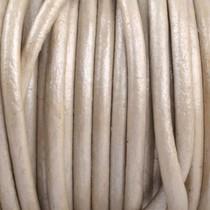 Wit Rond leer Beige crème metallic 2mm - prijs per meter
