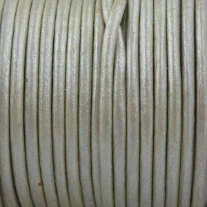 Groen Rond leer Licht groen grijs metallic 2mm - prijs per meter