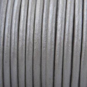Zilver Leer rond zilver metallic 3mm - prijs per meter