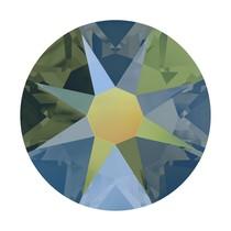 Groen Swarovski flatback SS34 (7mm) Crystal Iridescent Green