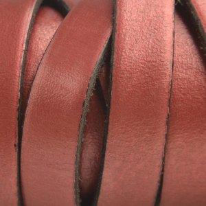 Rood Plat Italian leer Rood metallic 10x2mm - prijs per cm