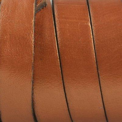 Bruin Plat Italian leer Cognac bruin metallic 10x2mm - prijs per cm