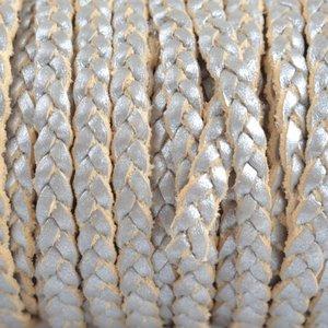 Grijs Plat gevlochten leer metallic zilver grijs 5x2mm - prijs per 20cm