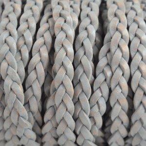 Grijs Plat gevlochten leer vintage licht grijs 5x2mm - prijs per 20cm