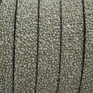 Grijs Plat synthetisch Kaviaar leer zilver grijs 10x2,5mm - prijs per cm