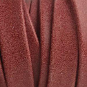 Rood Plat soft nappa leer red 10x2,5mm - prijs per cm