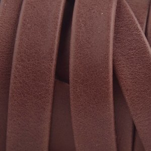 Paars Plat soft nappa leer aubergine 10x2,5mm - prijs per cm