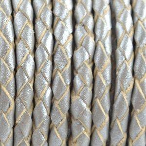 Grijs Rondgevlochten leer Zilver metallic 4mm - prijs per 20cm