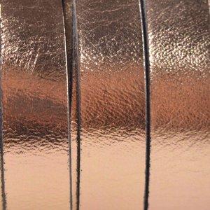 Roze Plat Italian leer Rosegold metallic 10x2mm - prijs per cm