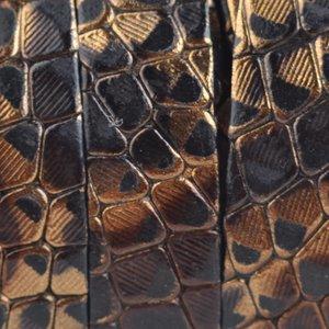 Bruin Plat Italian leer Goud zwart snake 10x2mm - prijs per cm