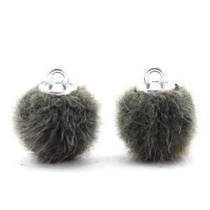Groen Faux fur pompom bedels Sage green 12mm