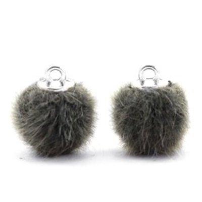 Groen Faux fur pompom bedels Sage green 12mm