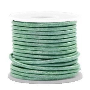 Groen Rond leer Vintage lark green metallic 2mm - per meter