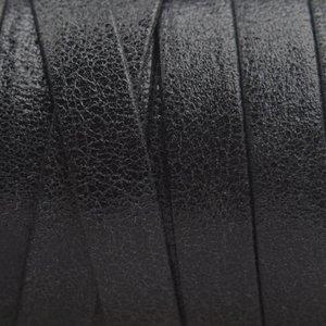 Zwart Plat nappa leer Crackle geschuurd Black 10x2mm - prijs per cm