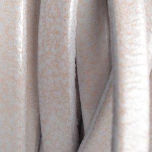 Wit Plat leer wit metallic 5x1.5mm - prijs per cm