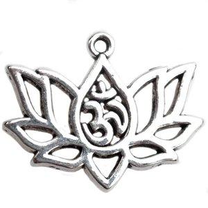 Zilver Bedel lotus bloem met Ohm Zilver 17x21mm - 4 stuks
