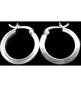 zilveren oorring: flat, oorring met rechte voorkant