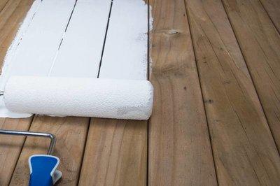 Grenen vloer wit verven u materialen voor constructie