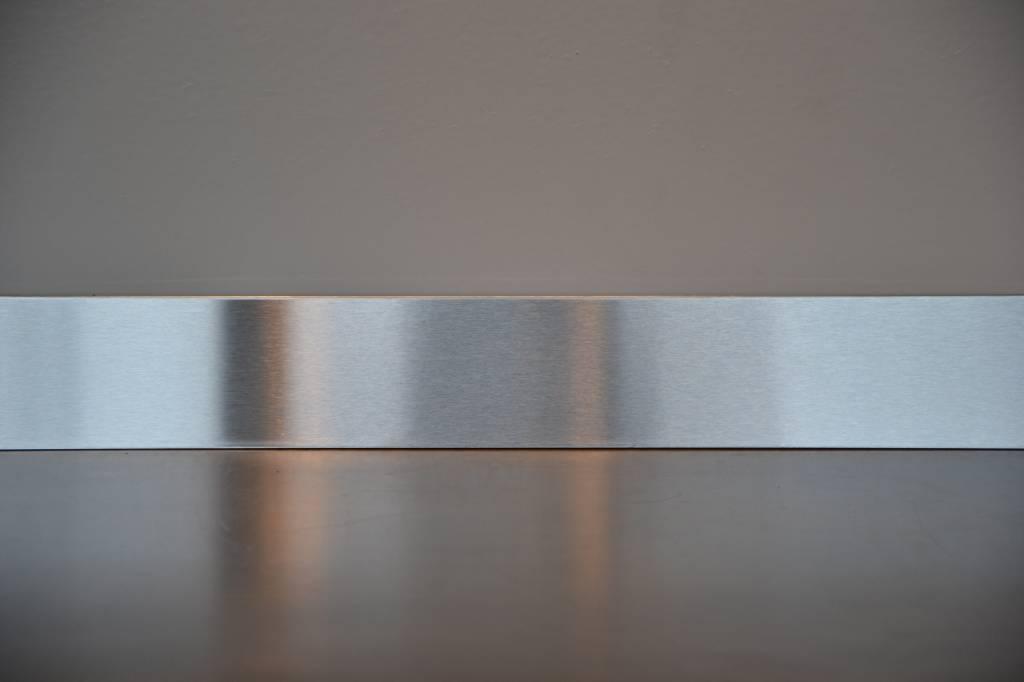 plinthe en acier inoxydable 1 5mm 304. Black Bedroom Furniture Sets. Home Design Ideas