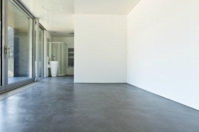 Wellnesscenter vloer verven in badhoevedorp - Badkamer vloer ...