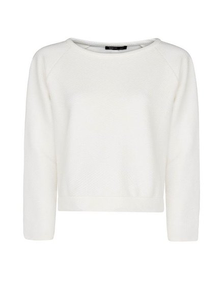 White jumper