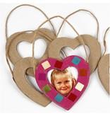Objekten zum Dekorieren / objects for decorating Pappmaché-Rahmen Herzen zum verzieren.
