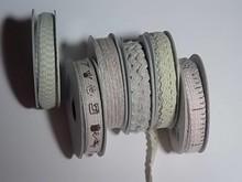 DEKOBAND / RIBBONS / RUBANS ... 6 Bånd, 3-10 mm x 1,8 m, sortiment med 6 ass. Design, lys rød