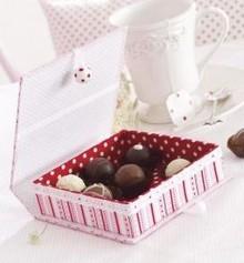 Tante Ema Papier-mâché, hinged-lid box