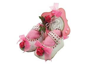 Joy!Crafts und JM Creation Stanzschablone: Baby Schuhe