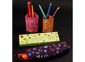 Objekten zum Dekorieren / objects for decorating Pencil case, size 21x6x2, 5 cm
