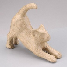 Objekten zum Dekorieren / objects for decorating Una figura PappArt, gato estiramiento
