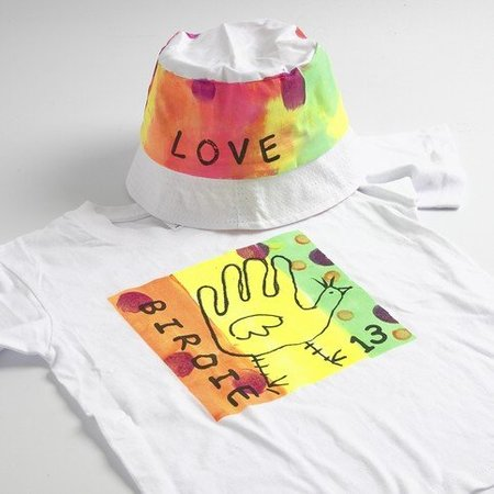 BASTELZUBEHÖR / CRAFT ACCESSORIES A neon-colored summer outfit: high quality fabric paint, water-based, productive
