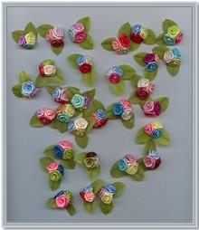 Embellishments / Verzierungen 10 Mini Trio florets