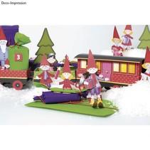Bastelset Christmas Train, 1 Lok,6 Wagen, Deko und Wichtelfamilie