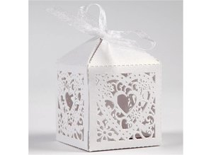 Dekoration Schachtel Gestalten / Boxe ... 12 Decorative Box, 5,3x5,3 cm, white, with heart
